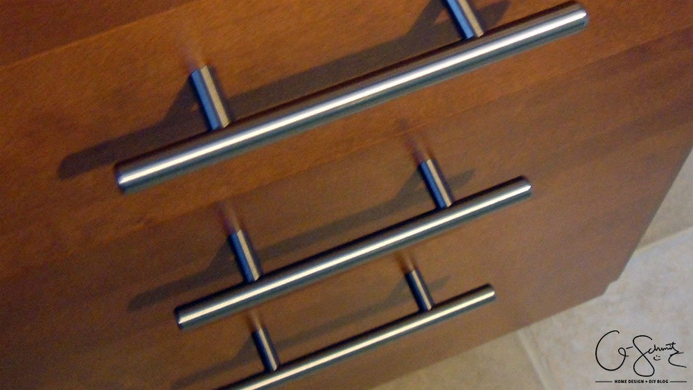 How To Install Kitchen Knobs And Pulls On The Ikea Akurum Kitchen Cabinets  (but You