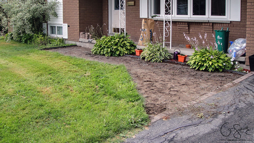 We've started our front walkway remodel, and the first step is removing patio stones. If you're planning on doing a DIY walkway project this summer, these tips are for you!