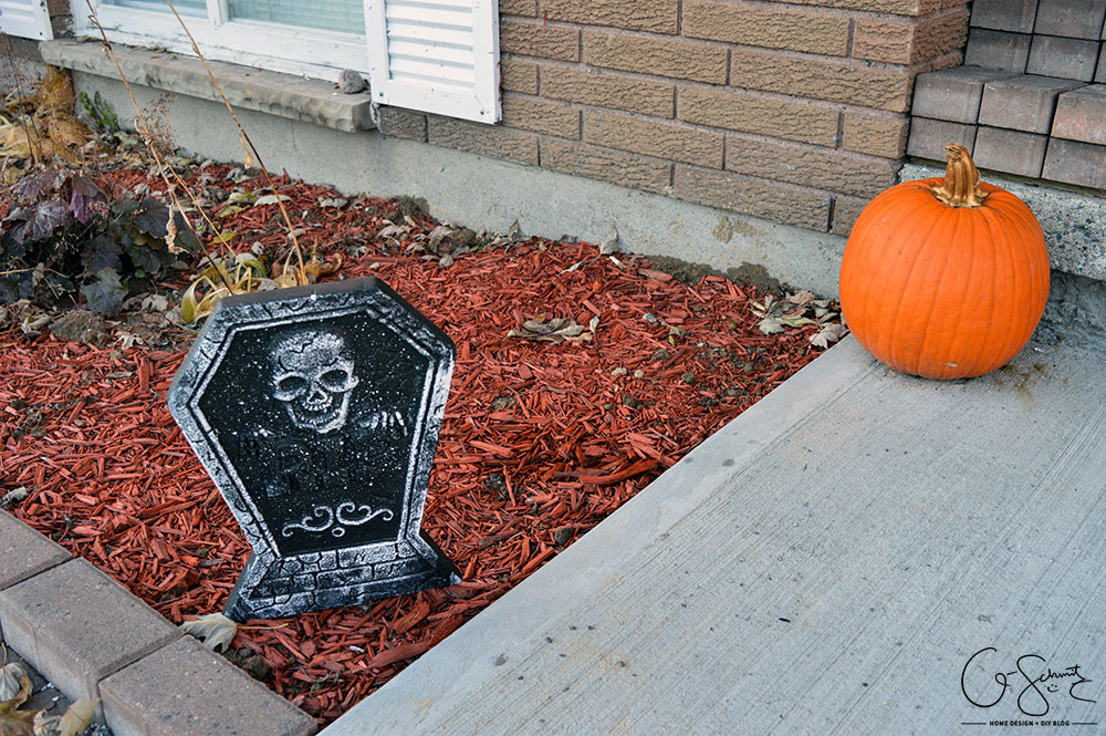 It's always important to create a clear path and lit doorway when prepping for trick-or-treaters. Here is the second part of my Halloween Décor this year.