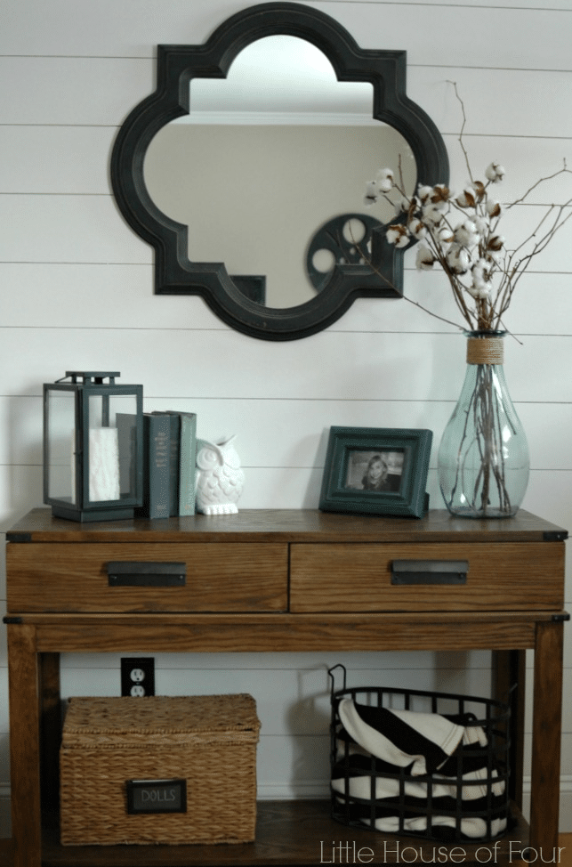 Today I'm rounding up some DIY wall transformation ideas, starting from easier, non-permanent solutions to more time-consuming (woodworking involved) projects. Check out these great ideas from some great bloggers!