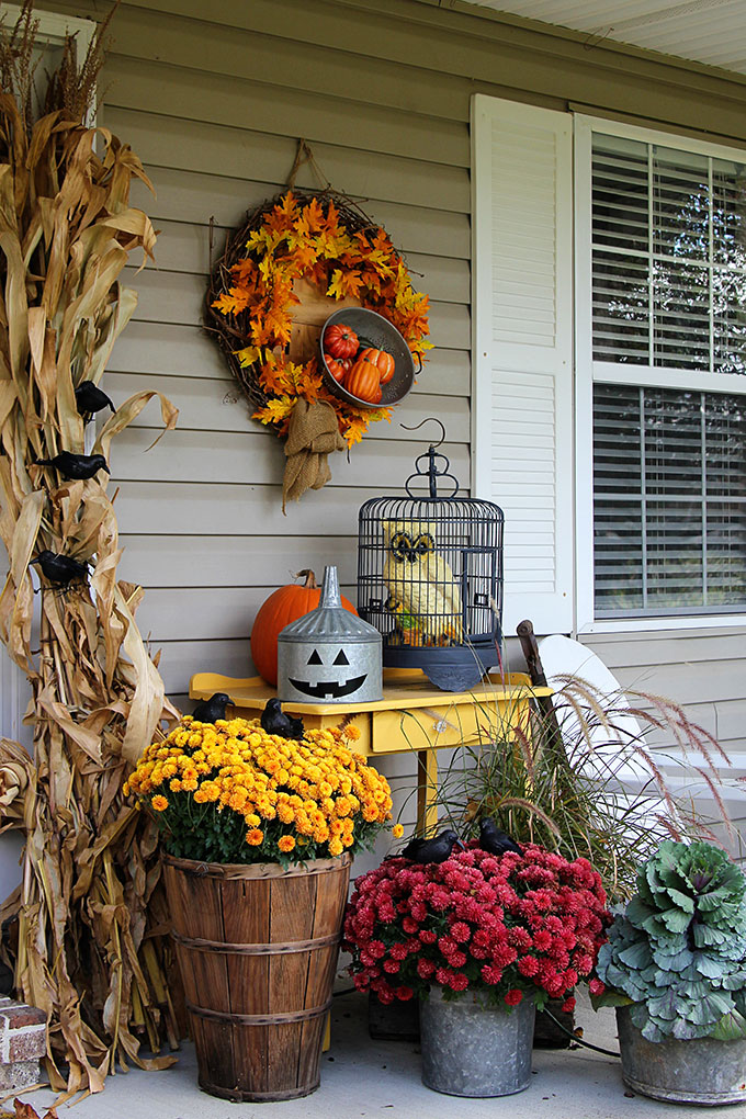 House of Hawthornes Halloween Front Porch