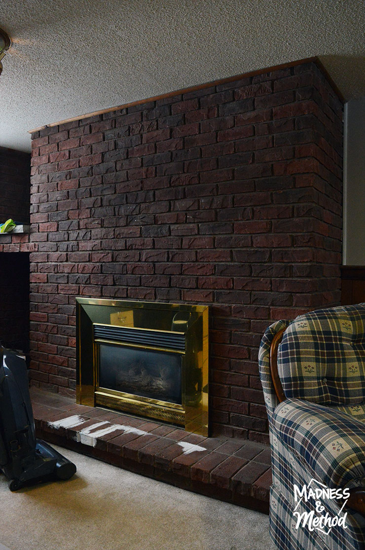 dry-brush-bricks-fireplace-makeover-01
