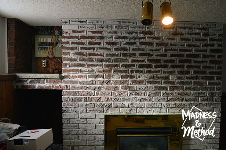 dry-brush-bricks-fireplace-makeover-07