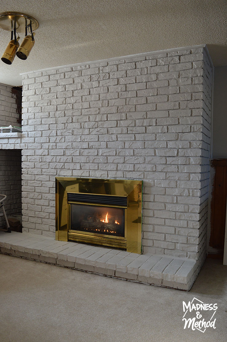 dry-brush-bricks-fireplace-makeover-08