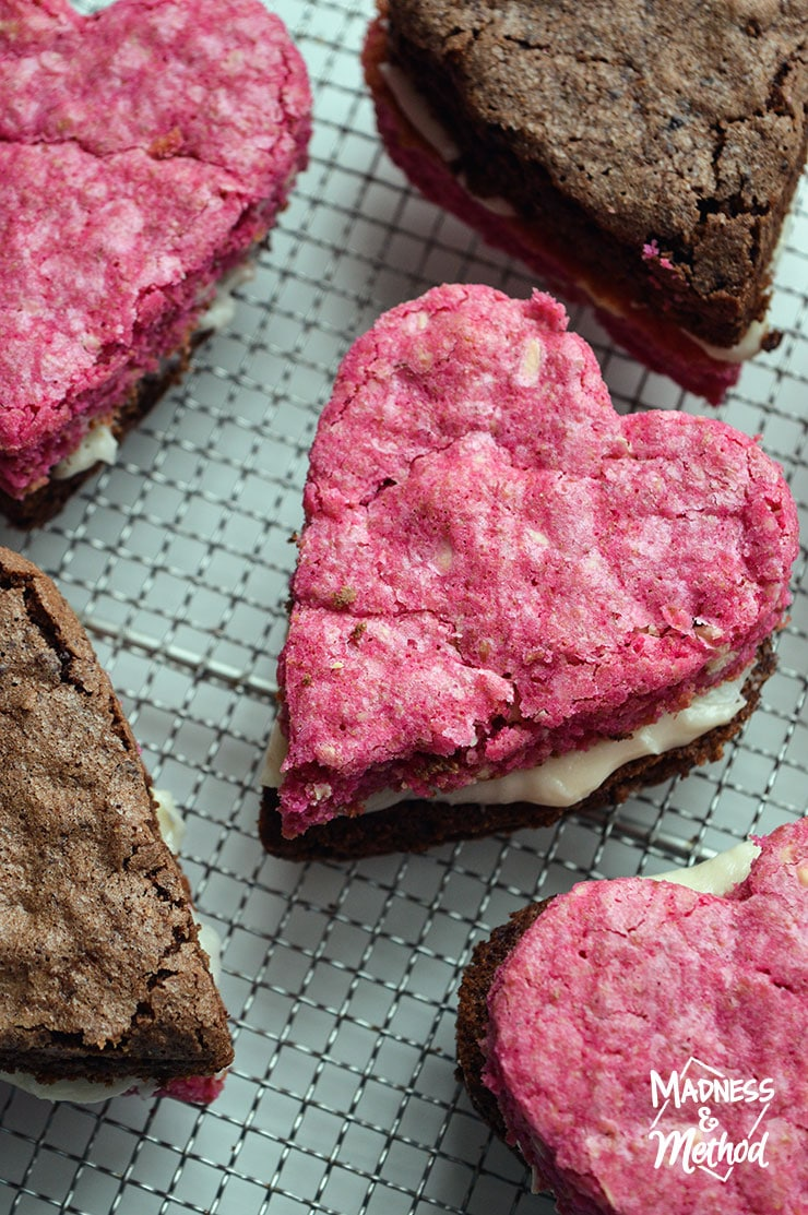 valentines-day-brownie-bars-03