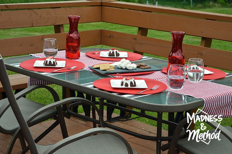 red-white-table-decor-08
