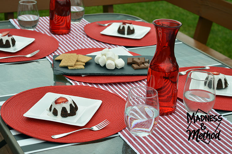 red-white-table-decor-13