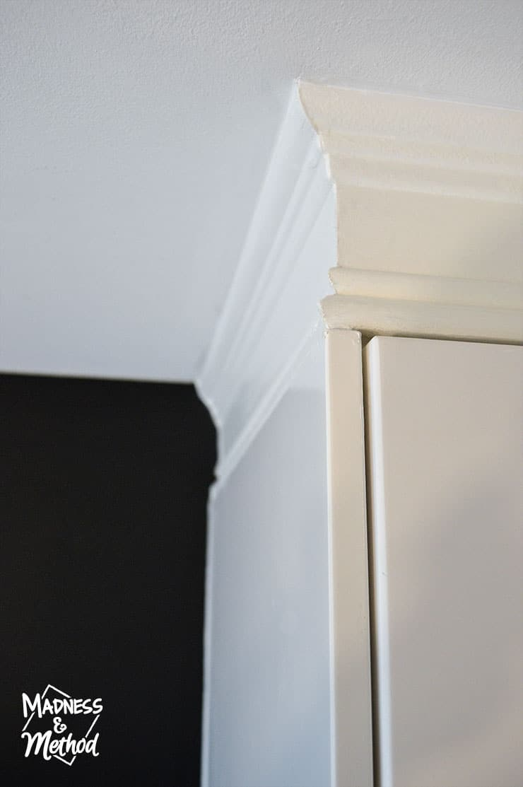 install-trim-above-cabinets-07