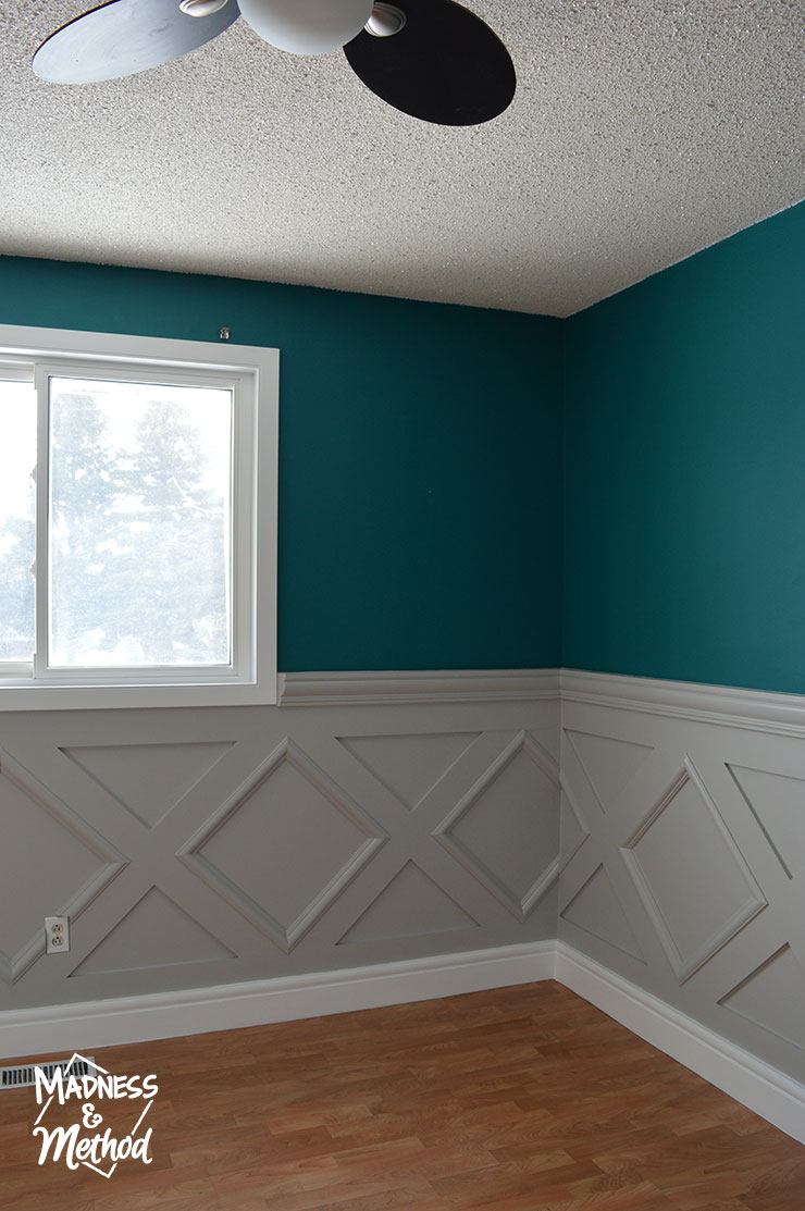 gray diamond wainscoting