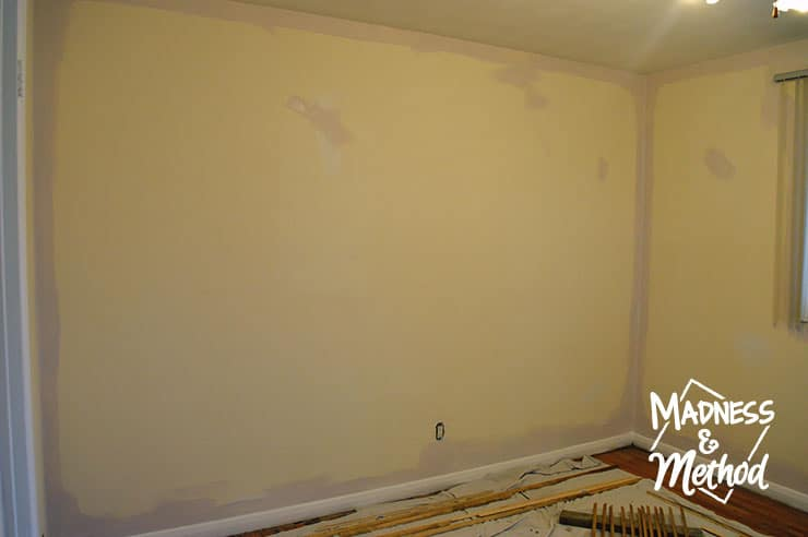 edging the wall paint