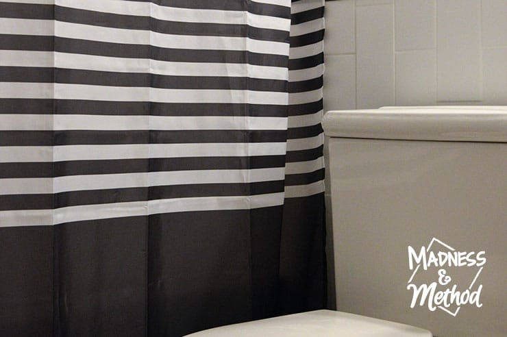 striped bathroom curtain