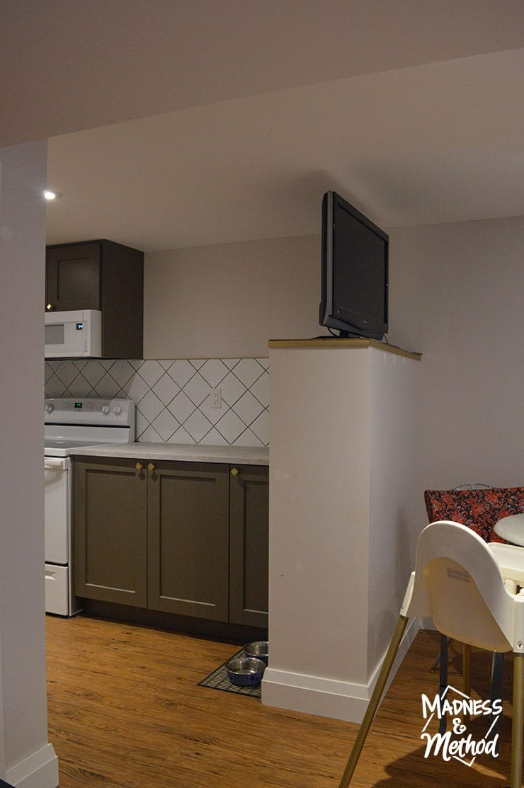 wing wall in basement kitchen