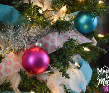 blie and pink christmas decor