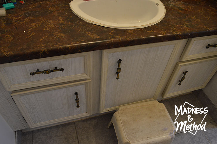dark brown bathroom counters