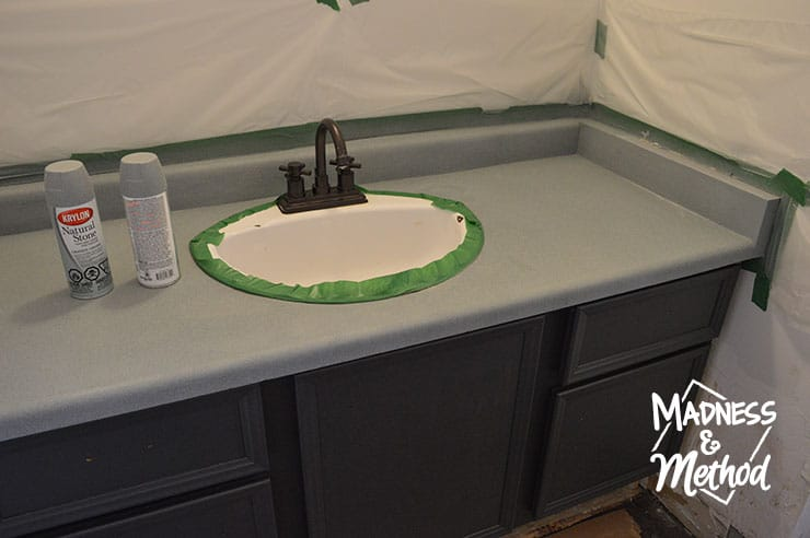 spray painting bathroom countertop