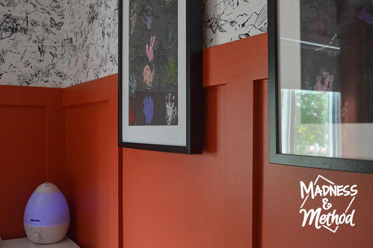 red walls black frames