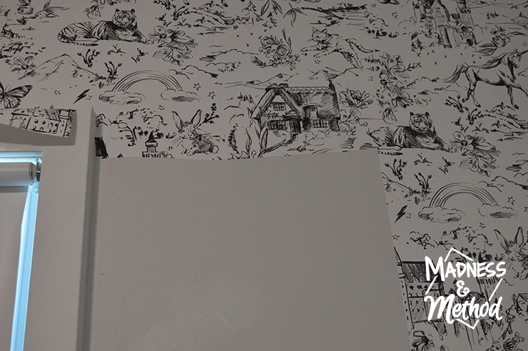 filling in wallpaper pieces