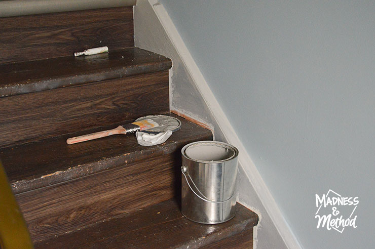 painting staircase trim